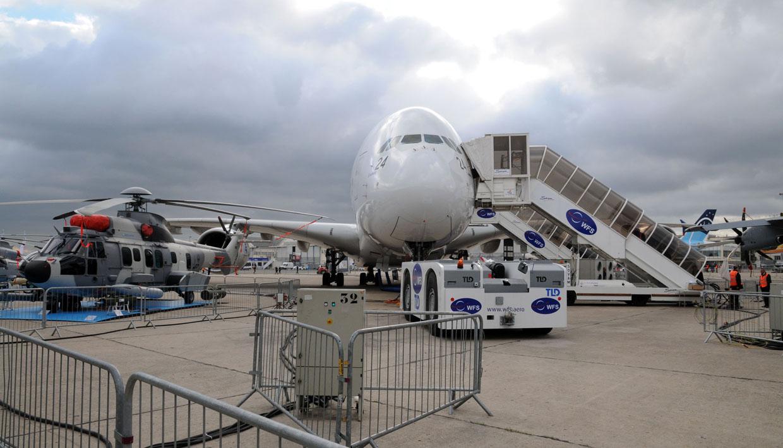 Florence dor 50e salon international de l 39 aeronautique - Salon international de l aeronautique et de l espace ...